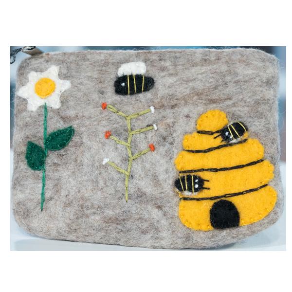 Bee Beautiful Gift Set Vanilla Amond 4